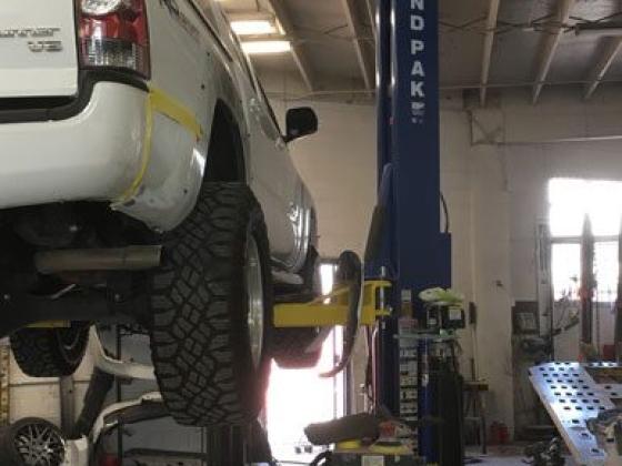 Hanson's Auto Body Repair