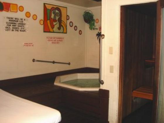 Hot Tropics Hot Tubs & Saunas